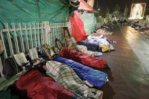 Cientos de peregrinos pernoctaron en las inmediaciones de la Basílica de Guadalupe.