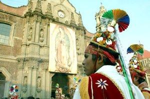Peregrinos de todos los estados del país, acudieron a la Basílica de Guadalupe para venerar a la Virgen Morena.