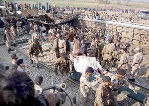 Los equipos de rescate trajeron 58 cadáveres a tres hospitales cercanos.