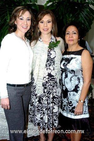 12112007 Cristina Pérez de De Alba y Blanca Ruiz de Rábago organizaron una tierna fiesta de canastilla para Tere.