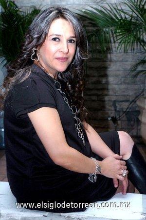 18122007 Emma Galaviz de Morado, en su fiesta de regalos para bebé.