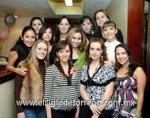 19122007 La guapa mamá y sus amigas Odila, Maribel, Carolina, Citlali, Paola, Lorena, Yolanda, Laura, Ana, Belinda y Jésica.
