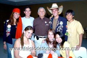 01012008 Johnson, Patrik, Hugo, Dr. Milan, Luis, Eri, Murra y Claudia, captados en pasado evento.