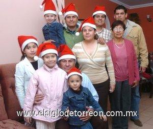 01012008 La familia Garay celebro en grande el cumpleaños de Carlos Ernesto Garay Rodríguez.