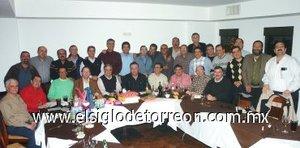 02012008 Reunión de ex pereyras realizada con motivo de las fiestas decembrinas.