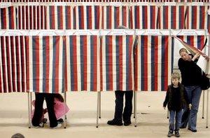 La presidencia se decide no por el voto popular, sino por el Colegio Electoral, que consta de 538 votos, de los cuales se requieren 270 para ganar la Casa Blanca. New Hampshire sólo representa 4 votos.