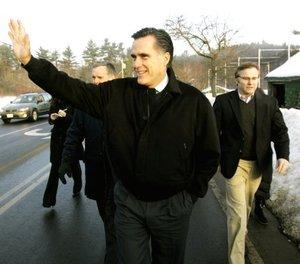 El ex gobernador de Massachusetts Mitt Romney es un político hecho a imagen y semejanza de su padre, George Romney, gobernador de Michigan y el hombre al que el aspirante a la Casa Blanca se refiere como mi héroe.