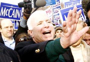 McCain asegura que es el que posee más experiencia de todos y que, a sus 71 años, puedo ser el más viejo, pero también soy el mejor.