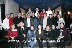 06012008 La generación 90-93 de la escuela Carlos Pereyra en su reunión anual.