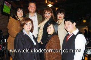 06012008 Luz María de Sandoval, Jesús Manuel Sandoval, Mary Carmen de Sandoval, Mayra Sandoval, Carmen de Mijares, Montserrat Sandoval y Manuel Mijares.