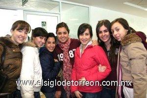 22012008 Nicole Bello, Maribel Tumoine, Lucía Dueñes, Any Bremer, Yola Murra, Marijose Calvete y Lalin Córdoba.