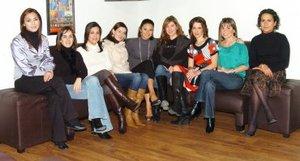 18012008 Anabel con sus amigas Alicia, Marusa, Paty, Juliana, María del Carmen, Toti, Gracia y Olga.