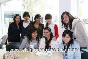 23012008 Sonia Portillo, Marcela Núñez, Sara Nassar, Fanny González, Karla Sánchez, María Ortiz, Sofi López y Mariana Mena.