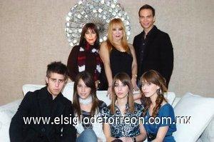 25012008 Agus, Pao, Fer, Linda, Lili, Linda y Christian.