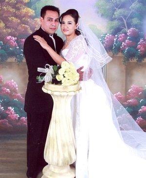Sr. Sergio Arturo Lee de la O y Srita. María Elizabeth Villa Mendoza contrajeron matrimonio en el altar de la Catedral de Nuestra Señora del Carmen, el pasado sábado 22 de diciembre de 2007.  <p> <i>Fassio Estudio Profesional.</i>