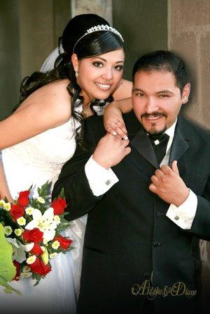 Sr. Alejandro Abúndiz Gallegos y Srita. Selmi Madahí García Reyes contrajeron matrimonio con el  en la Catedral de Nuestra Señora de Fátima, el viernes 21 de diciembre de 2007.  <p> <i>Estudio Aldaba & Diane.</i>