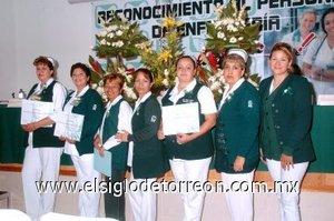 16012008 Sol Rodríguez, Santa Chinchavel, Lety Gress, Mayela Ponce, Hilda Domínguez, Sofía Delgadillo y Mónica Muñoz en el Día de la Enfermera.