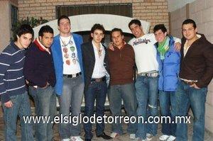 20012008 Fernando con sus amigos Chuy Viesca, Gerardo Rosas, Beto Montenbruck, Jorge de la Garza, Alejandro Aguilar, Juan Manuel López y Gerardo Escobedo.