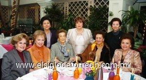 200012008 Conchita de Borrego, Güera de Jiménez, Chelita de González, Maruca de Papadópulos, Guille de Garza, Delia de Garza, Tere de Borrego y Banchis de González.