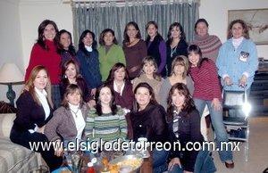 27012008 Pilar de Cobos, festejó su cumpleaños en la compañía de sus amigas Vero, Gaby, Brenda, Gina, Cecy, Gaby, Pity, Luly, Mara, Adriana, Angélica, Lety, Ale, Ani, Paty, Susy, Arantza y Sandra.