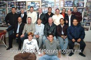 27012008 Club de los Jueves de la Madrid en su reunión para cumpleañeros del mes de enero.