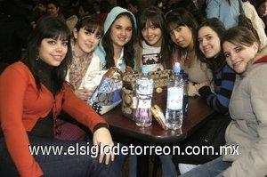 27012008 Rosy Ruiz, Lili González, Ana Isabel Rivera, Ale Mijares, Karla Ávalos, Daniela Ramos y Ana Gaby González.