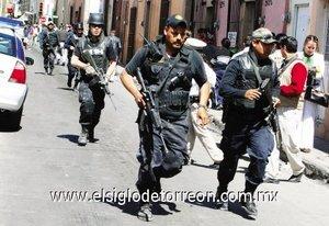 En la ciudad de Durango se registró una balacera entre dos grupos armados dejando un saldo de cuatro personas muertas.