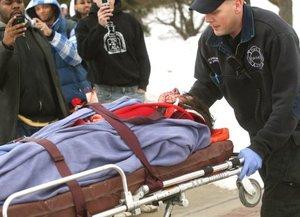 Muchas de las víctimas tenían heridas en la cabeza, señaló Theresa Comitas, portavoz del hospital, según la cadena de televisión CNN.
