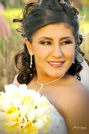 Srita. Salma Rivera González unió su vida en sagrado matrimonio a la del Lic. Alberto Arratia Torres. Fotografía Morán