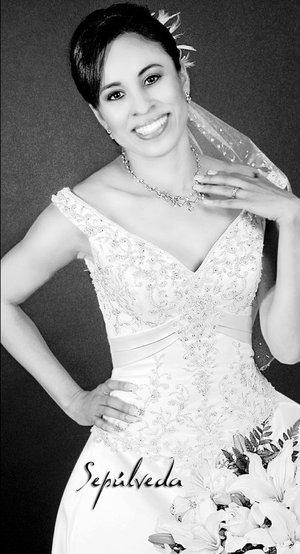 C.P. Celia Ruiz Picazo el día de su enlace con Ing. Julio César Aguiñaga Ortiz. Estudio Sepúlveda