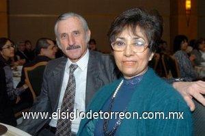 02032008 En un congreso de dentistas se encontraban, Julio Arriaga Flores y María del Consuelo de Arriaga.