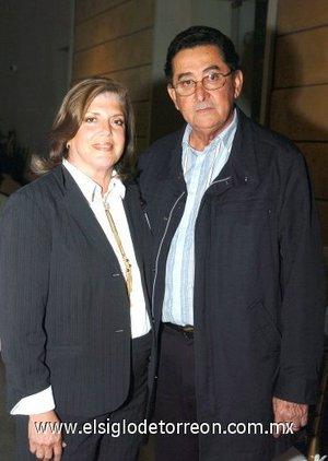 04032008 Silvia de Salmón y Marco Antonio Salmón.