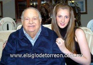 04032008 Don Carlos Román Cepeda Cepeda y su nieta Ana Caty Ransom Cepeda.