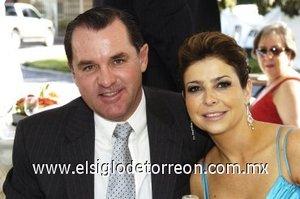 05032008 Rogelio Villarreal y Paola Lamberta.