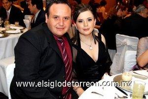 06032008 Manuel García y Any Suárez de García, en una boda.