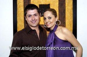 07032008 Alberto López y Araceli Holguín contraerán matrimonio este 15 de marzo.