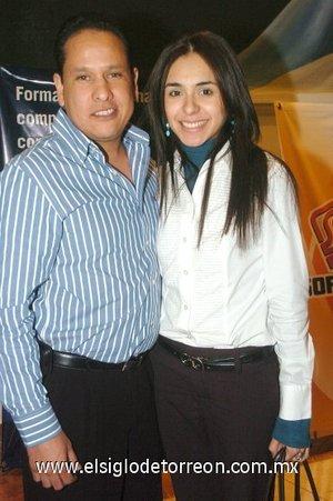 09032008 José Luis Torres y Brenda Basurto.