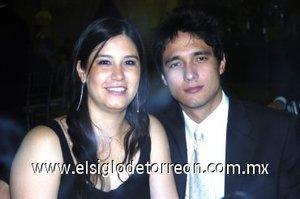 09032008 Paola Lozano y Álvaro Prieto durante una divertida boda