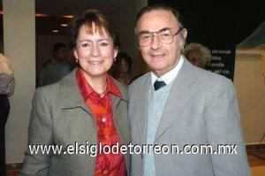 09032008 Patricia de Ayala y Alfonso Ayala.