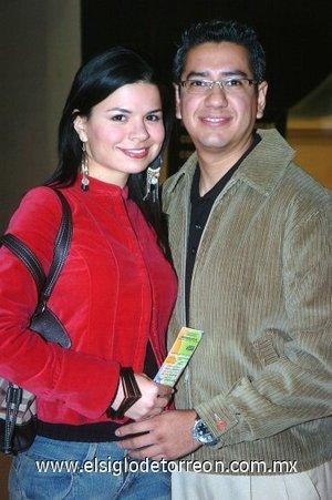 09032008 Thelma Rivera y Sergio Montoya.