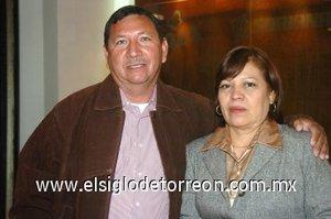 09032008 Víctor Calderón y Elizabeth López.