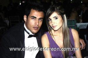 10032008 Captados en una boda, Ernesto Rodríguez y Yésica Fernández.
