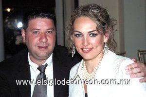 10032008 Ivonne Finck y César Monarrez.