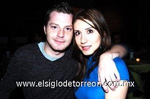 10032008 Ryan White y Patricia García.