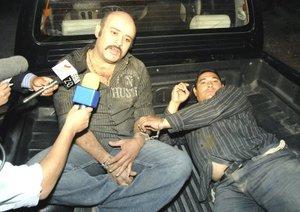 Los detenidos fueron capturados tiempo después, cuando huían del lugar a bordo de un auto robado.