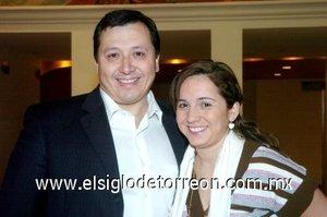 16032008 José Juán González y Ana Lilia Prado.