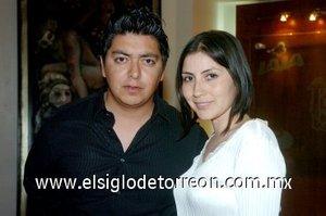 16032008 Nadia Nava y Gerardo García.