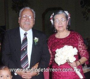 27032008 Alejandro Ramos y María Francisca Soto, celebraron 40 años de casados.