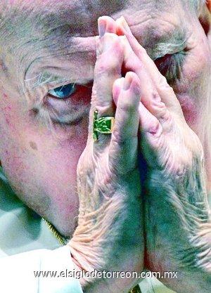 El 12 de marzo de 2000, pidió perdón por las faltas humanas cometidas en la Iglesia Católica en toda su historia. Haciendo referencia a las cruzadas, la inquisición, la discriminación hacia las mujeres y las etnias.