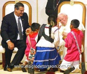 El Papa realizó su última visita a México el 31 de julio de 2002, para canonizar a Juan Diego, y un día después, el primero de agosto, beatificar a dos indios cajonos de Oaxaca. Fue la primera ocasión en que fue recibido por un presidente no priísta, Vicente Fox declaradamente católico.